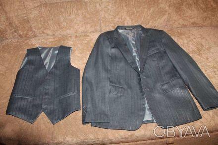 форма для мальчика 2-4 класс. длина изделия пиджак - 58 см, длина рукава - 52 см. Чернигов, Черниговская область. фото 1