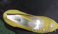 Гламурные женские туфли желтого цвета, производство Report Signature из США  - . Чернигов, Черниговская область. фото 3