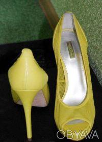 Гламурные женские туфли желтого цвета, производство Report Signature из США  - . Чернигов, Черниговская область. фото 2