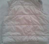 Продам жилетку утеплённую Next(оригинал,Шри-Ланка) на девочку,белого цвета,р.140. Чернигов, Черниговская область. фото 4
