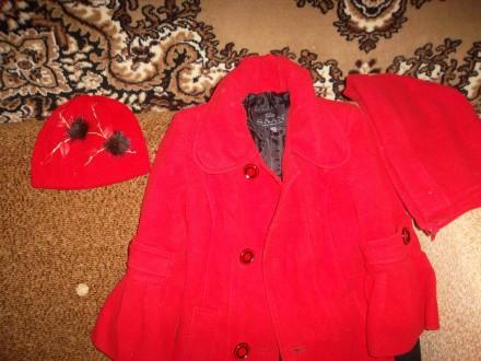 пальто демисезонное красного цвета. Киев. фото 1