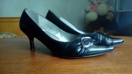 Продам женские туфли,размер 38,по 50-40 грн. за пару,в отличном состоянии,все с . Сумы, Сумская область. фото 8