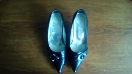 Продам женские туфли,размер 38,по 50-40 грн. за пару,в отличном состоянии,все с . Сумы, Сумская область. фото 9