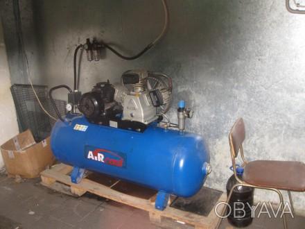 Воздушный компрессор поршневой