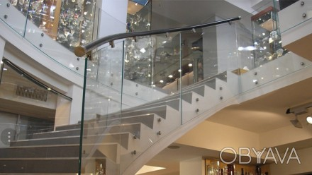 Изготавливаем и устанавливаем лестницы из стекла, перила из стекла, стеклянные о. Киев, Киевская область. фото 1