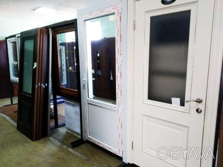 Купити двері пластикові ПВХ купить  двери с стеклом входные стеклопает тёплый