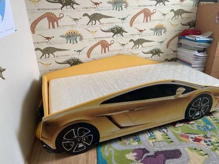 Продаю детскую мебель в хорошем  состоянии (кровать машина Lamborghini Huracan в. Киев, Киевская область. фото 4