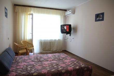 Двухкомнатная квартира в Южном (Южное) Посуточно 400 - 600г.. Южный. фото 1