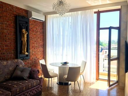 Шикарные апартаменты  посуточно, элитный дом, центр города.. Одесса. фото 1