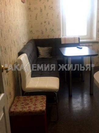 В квартире есть все необходимое, не студия, 42 квадрата. Так же есть небольшая . Киев, Киевская область. фото 3