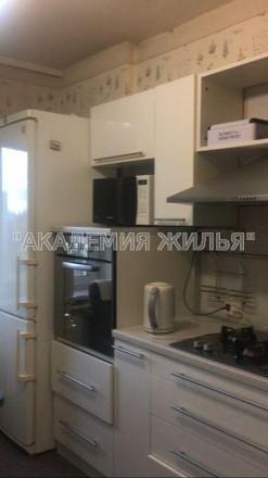 В квартире есть все необходимое, не студия, 42 квадрата. Так же есть небольшая . Киев, Киевская область. фото 2
