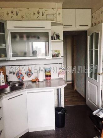 В квартире есть все необходимое, не студия, 42 квадрата. Так же есть небольшая . Киев, Киевская область. фото 4