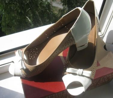 Туфли модельные, комбинированные, с открытым пальчиком. Размер 39, указан на обу. Харьков, Харьковская область. фото 10