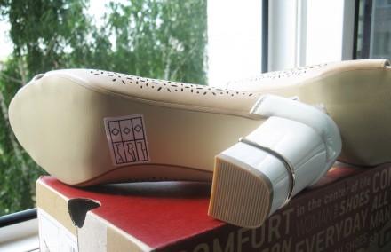Туфли модельные, комбинированные, с открытым пальчиком. Размер 39, указан на обу. Харьков, Харьковская область. фото 3