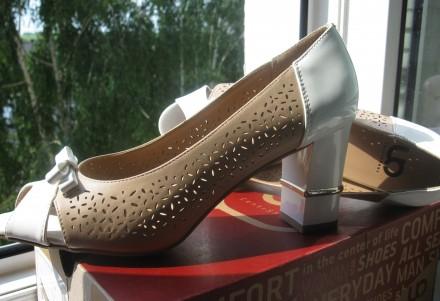 Туфли модельные, комбинированные, с открытым пальчиком. Размер 39, указан на обу. Харьков, Харьковская область. фото 11