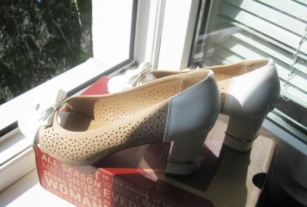 Туфли модельные, комбинированные, с открытым пальчиком. Размер 39, указан на обу. Харьков, Харьковская область. фото 7