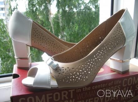 Туфли модельные, комбинированные, с открытым пальчиком. Размер 39, указан на обу. Харьков, Харьковская область. фото 1