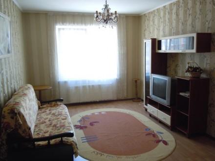Сдам 2 комнатную квартиру посуточно в новом доме ЖМ Радужный.  Благоустроенная . Одесса, Одесская область. фото 2