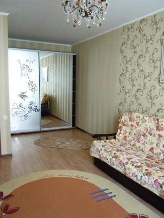 Сдам 2 комнатную квартиру посуточно в новом доме ЖМ Радужный.  Благоустроенная . Одесса, Одесская область. фото 5
