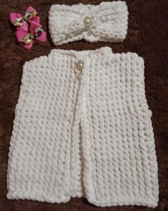 Вязаный жилет и повязочка на девочку 2-3 года. Выполнен из плюшевой гипоаллерген. Нежин, Черниговская область. фото 2