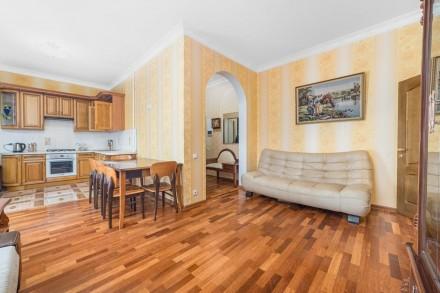 Очаровательная двухкомнатная квартира расположена на 3 этаже 4-этажного здания. . Приморский, Одесса, Одесская область. фото 6