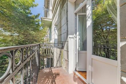 Очаровательная двухкомнатная квартира расположена на 3 этаже 4-этажного здания. . Приморский, Одесса, Одесская область. фото 13