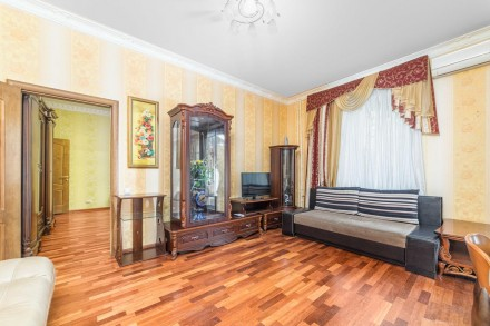 Очаровательная двухкомнатная квартира расположена на 3 этаже 4-этажного здания. . Приморский, Одесса, Одесская область. фото 8