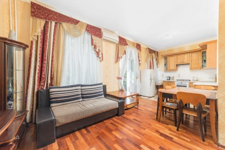 Очаровательная двухкомнатная квартира расположена на 3 этаже 4-этажного здания. . Приморский, Одесса, Одесская область. фото 10