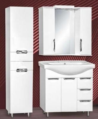 белые черви ванная комната