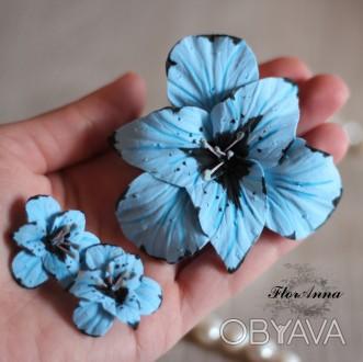 Голубой комплект украшений с цветами ручной работы. Голубые гладиолусы