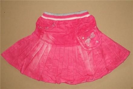 Вельветовая юбка для девочек. Декорирована вышивкой и