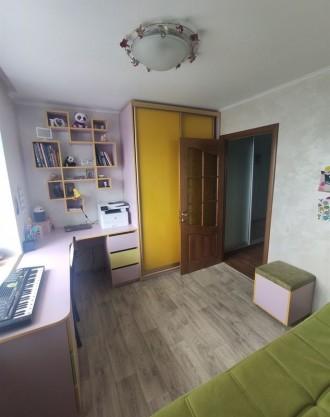 Продам видовую 3-комнатную чешку с ремонтом в кирпичном доме на ж/м Красный Каме. Днепр, Днепропетровская область. фото 6