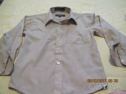 Оливковая рубашка на 7 лет, длина 45 см, ширина 35см, длина рукава 38см, плечи 3. Киев, Киевская область. фото 1