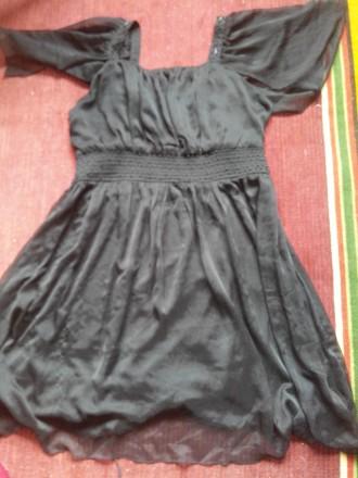 продается черное платье, вечерне-коктельное, размер L. Марганец. фото 1