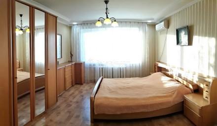 Код: 1180. Просторная четырехкомнатная квартира в районе ипподрома, ул. Фонтанск. Аркадия, Одесса, Одесская область. фото 2