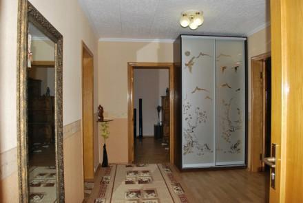 Миропольская 3 комнатная квартира15мнут Метро черниговская. Киев. фото 1
