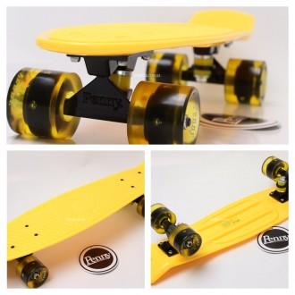 Penny Board Original 22 желтая дека и светящиеся колеса видео обзор. Киев. фото 1