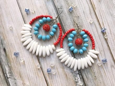 Яркие крупные летние серьги кольца с агатом. Белые голубые красные. Мелитополь. фото 1