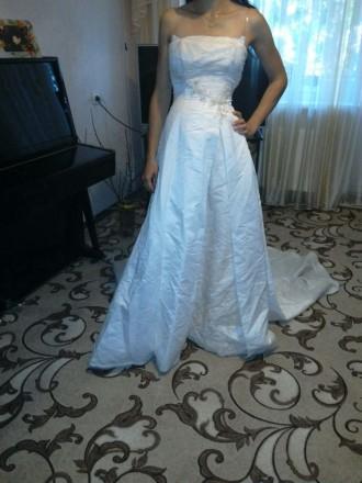 Свадебное платье со шлейфом. Борисполь. фото 1