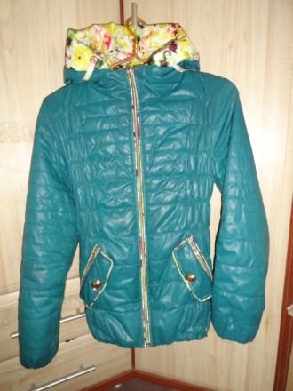 Пальто демисезонное на девочку. Приморск. фото 1