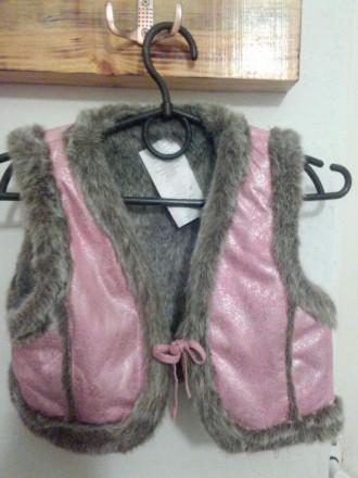 Меховая жилетка для девочки. Пологи. фото 1