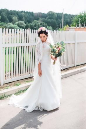 Продам шикарное свадебное платье со шлейфом!  Размер 42-44, цвет айвори. Платье. Чернигов, Черниговская область. фото 3