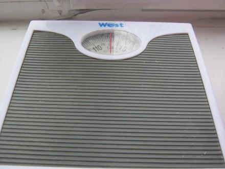 Напольные механические весы. Выдерживают до 120 кг.. Николаев. фото 1