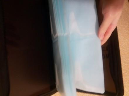 Продам папку для дисків. Зверху є потертості але всередині новесенька!. Тетиев, Киевская область. фото 3