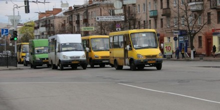 Реклама в маршрутных такси Чернигова. Чернигов. фото 1