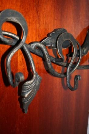 Вешалка кованая Лиана. Киево-Святошинский. фото 1