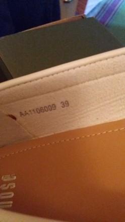 Продам белые кожаные мокасины. Привезены из ОАЭ. Размер 39. Харьков, Харьковская область. фото 5