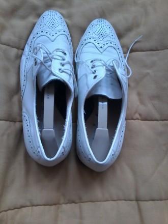 черевики чоловічі, білі, 43 розмір. Ужгород. фото 1