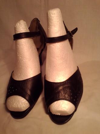 Туфли кожа 100%'хорошее сос-ие.И много др.женской обувир 38-39 и оодеждыр.50-52-. Чернигов, Черниговская область. фото 11