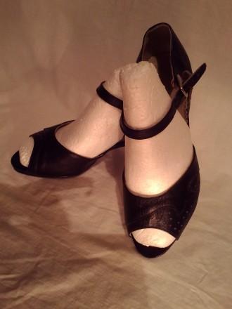 Туфли кожа 100%'хорошее сос-ие.И много др.женской обувир 38-39 и оодеждыр.50-52-. Чернигов, Черниговская область. фото 7